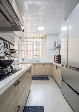 130平米三室一厅混搭风格厨房图片