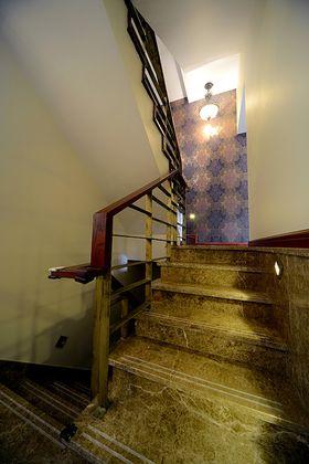 15-20万140平米四室两厅东南亚风格楼梯间设计图