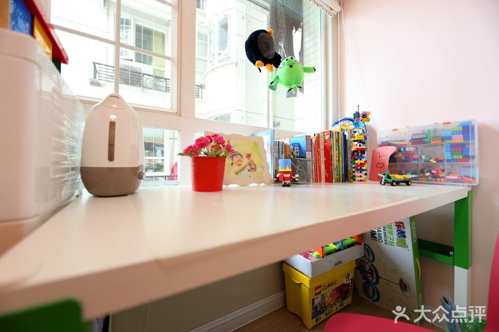 100平米三室一厅现代简约风格儿童房设计图