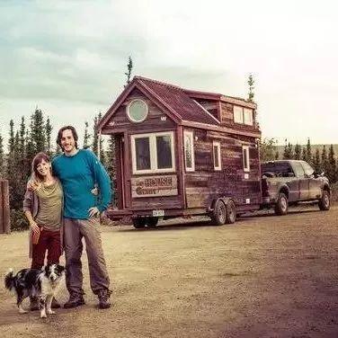 他们的家只有12平米,却装下了全世界