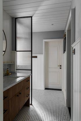 130平米三美式风格卫生间设计图