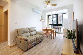 80平米三室一厅现代简约风格客厅装修案例