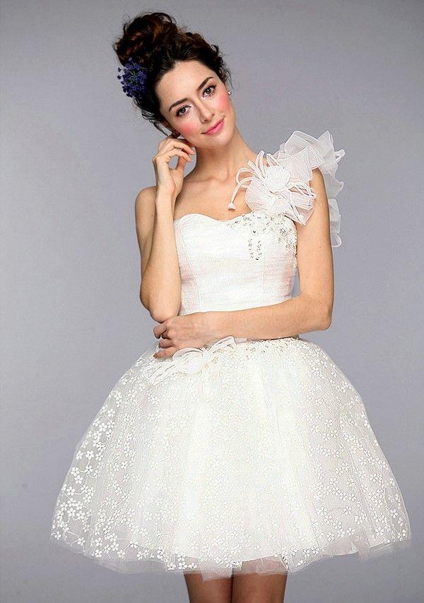 夏天的新娘应该穿什么呢?