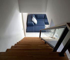 5-10万90平米现代简约风格楼梯设计图