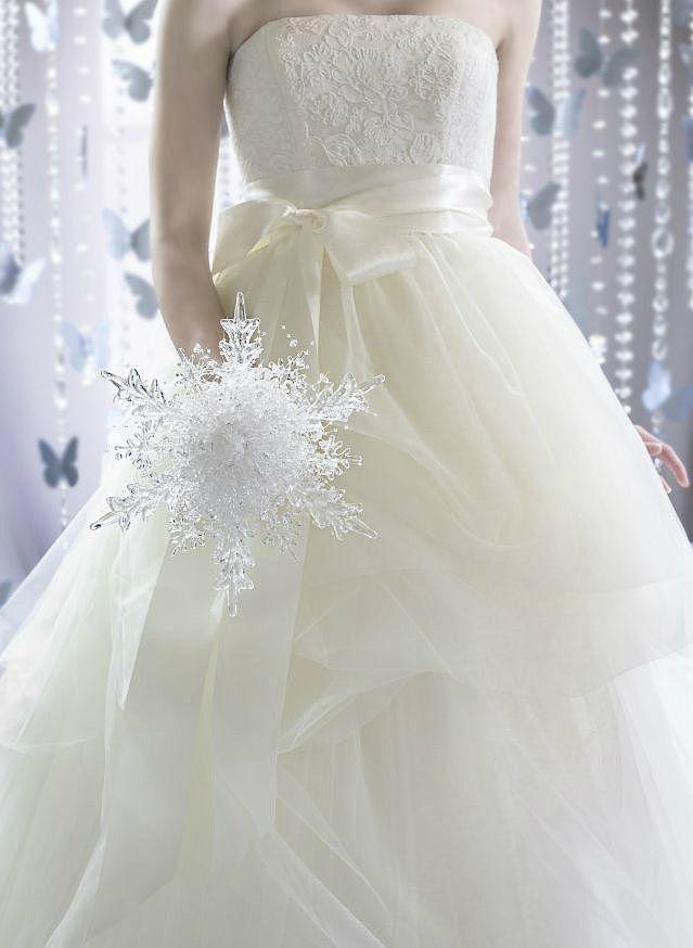 雪花状水晶捧花 让你的婚礼清凉一夏