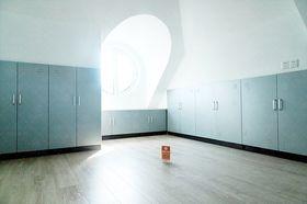 20万以上140平米别墅现代简约风格储藏室图片