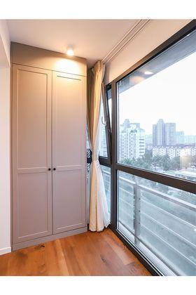 120平米三室两厅现代简约风格储藏室图