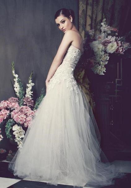 结婚典礼上的婚纱要怎么选择