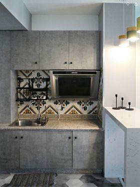 60平米一居室现代简约风格厨房装修效果图