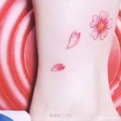 丽人 美甲图库 小桃花纹身美甲款式图  4047 肩部 胸部 臀部 腿部