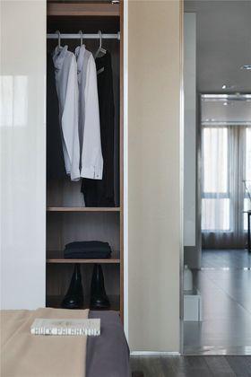 140平米四室一廳現代簡約風格衣帽間鞋柜圖