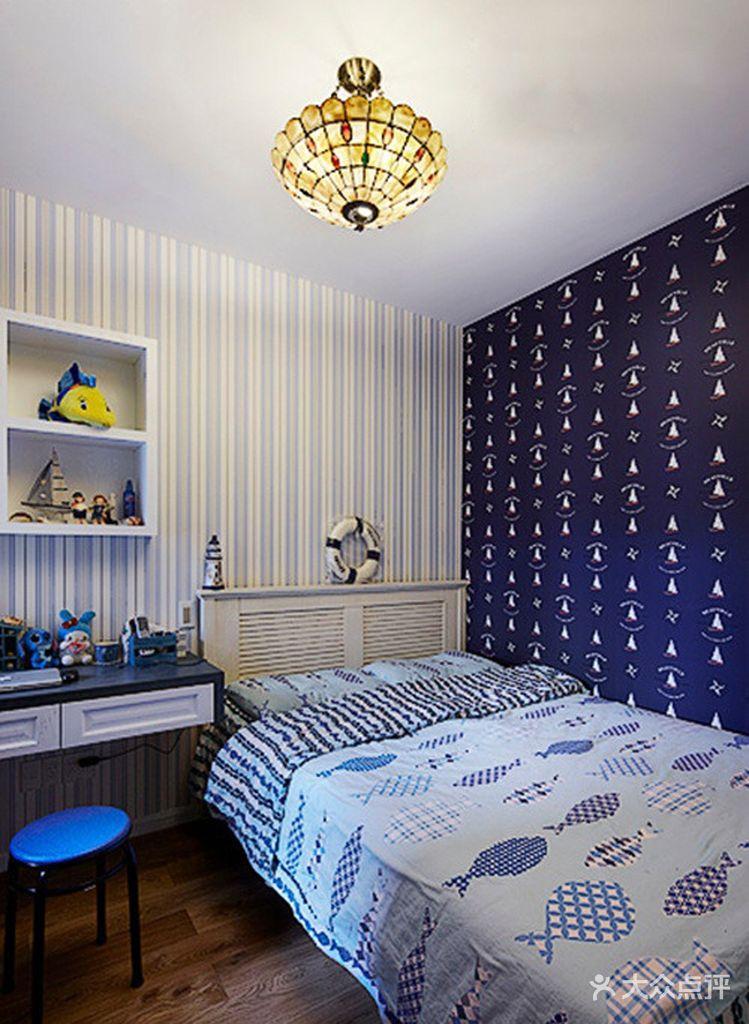 背景墙 房间 家居 起居室 设计 卧室 卧室装修 现代 装修 749_1024 竖