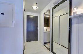 60平米公寓混搭风格玄关装修效果图