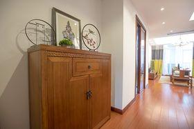 90平米三室两厅中式风格玄关设计图