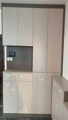 现代简约风格走廊装修案例