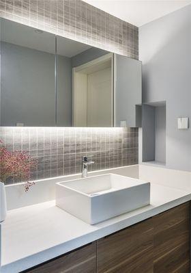 90平米三室两厅现代简约风格卫生间图