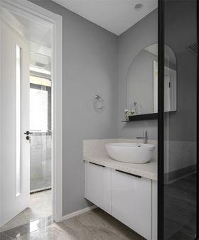 130平米三现代简约风格卫生间装修案例
