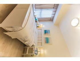 80平米三室两厅现代简约风格卧室装修案例