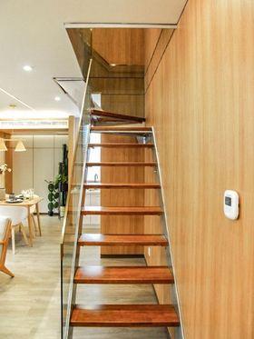60平米日式风格楼梯间图