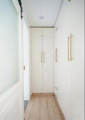 60平米公寓北欧风格衣帽间设计图