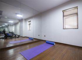 140平米四室两厅现代简约风格健身室图片