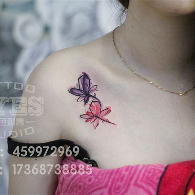 锁骨水彩花纹身款式图