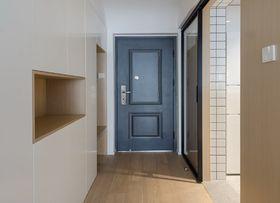 70平米现代简约风格玄关设计图