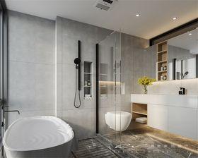 130平米四室三厅现代简约风格卫生间装修案例