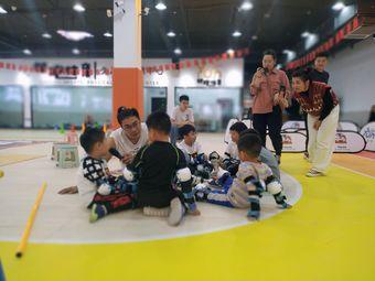 领跑体育青少年运动中心