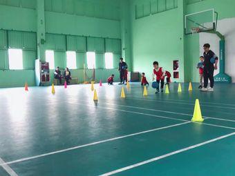 昆山华跃体育篮球班