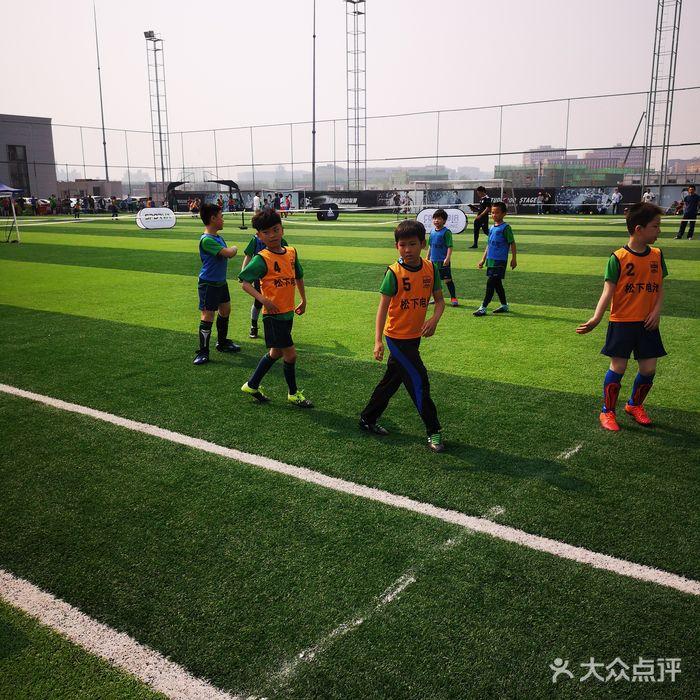 青少年足球培训班应该如何留住球员?
