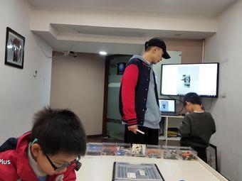 领动机器人STEAM教育(北辰店)