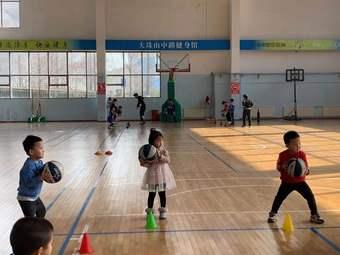 东方启明星儿童篮球培训(双珠路校区)
