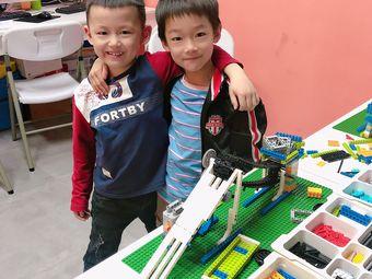 酷酷龙机器人编程中心(百捷金街店)