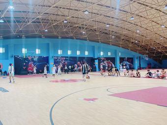 华夏体育空中篮球场