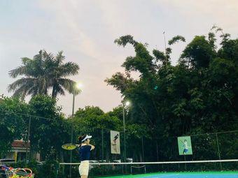 蓝波湾网球场