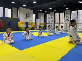 精一跆拳道(大坪馆)