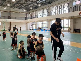 勇者体育篮球训练营
