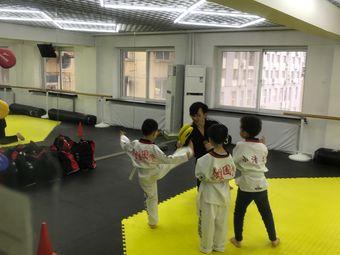 英雄国际泰拳搏击馆