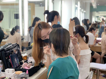 雅高国际化妆学校