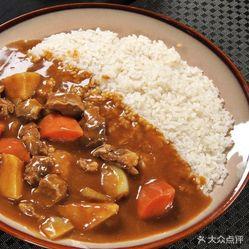 泰式烤牛肉咖喱蛋包饭