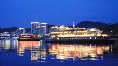 【杭州等】千岛湖秀水度假酒店1晚+双早+双人夜游船门票-美团