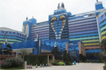 【珠海等】珠海长隆企鹅酒店1晚+3人海洋王国2日票+3人自助午餐-美团