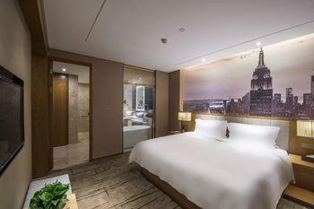 【上海等】上海康桥万信酒店公寓1晚+双人/1大1小/2大1小上海迪斯尼1日门票+双早-美团