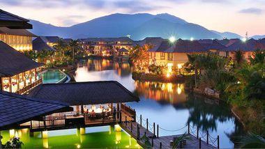 【三亚等】三亚万豪度假酒店2晚+双早+双人环球城酒店海鲜自助晚餐1次-美团