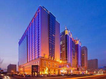 【呼和浩特等】内蒙古锦江国际大酒店1晚+双早+双人席力图召门票-美团