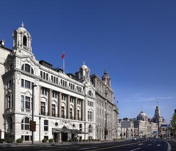 【上海等】上海外滩华尔道夫酒店1晚+双人/2大1小上海迪斯尼1日门票等多景点门票+双早-美团