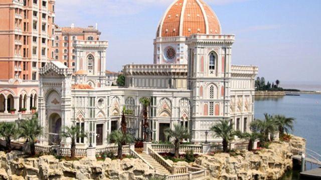 享意大利风 墅墅临水 岛岛相望酒店采用意大利威尼斯风格的建筑,细节