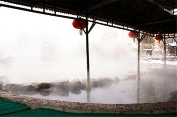 【北京等】北京龙脉温泉度假村1晚+双人龙脉温泉门票+双早-美团