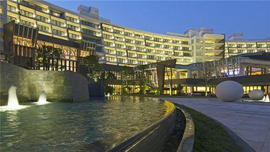 【三亚等】三亚海棠湾民生威斯汀度假酒店1晚+双早+双人蜈支洲岛等多景点门票+接机-美团